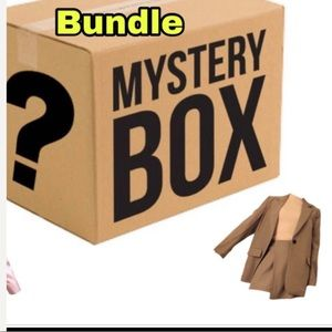 Tops - Women Mystery box reseller 25 pc bundle wholesale